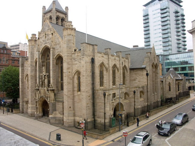 Cathedral church of st anne leeds for Interieur exterieur 01