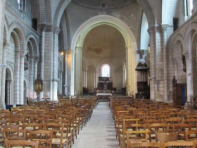 La Cathédrale (intérieur) / The Cathedral (interior)